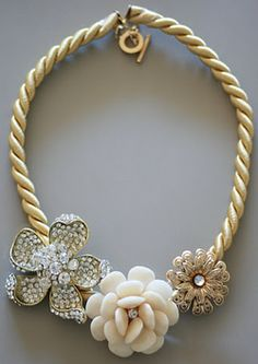 an awesome floral statement necklace DIY