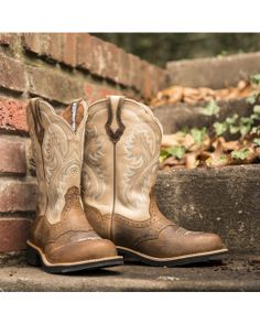 Ariat Women's Showbaby Boot - Earth/Bone Crackle  http://www.countryoutfitter.com/products/28181-womens-showbaby-boot-earth-bone-crackle