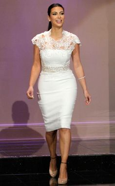 Kim Kardashian - Lela Rose White Dress on Jay Leno 2012 (Bridal)Kim Kardashian: Sometimes You Don't Want to Hear What Your Family Has to SayNot a Kim fan on a personal level BUT its nice to see someone modeling clothes that does not resemble an 8 yea African Fashion Dresses, African Dress, White Outfits, Classy Outfits, Rihanna, Beyonce, Cute Dresses, Formal Dresses, Wedding Dresses