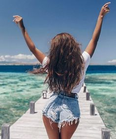 Total summer vibes and vacation mode – girl photoshoot Summer Pictures, Beach Pictures, Boating Pictures, Summer Photography, Photography Poses, Pinterest Photography, Landscape Photography, Beach Foto, Clothing Haul