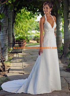 Robe de mariée 2011 col V bretelle au cou dos nu