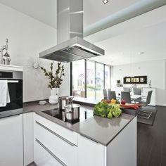 WeberHaus - Single-storey architect-designed home Bungalows, Mediterranean Homes, Concept Architecture, Architect Design, Living Area, Indoor, House Design, Interior Design, Kitchen