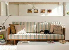 sofá com madeira