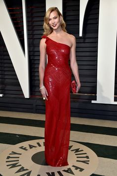 Karlie Kloss in Stella McCartney attends the Vanity Fair Oscars Afterparty 2017