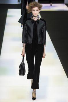 Giorgio Armani Fall 2016 Ready-to-Wear Fashion Show