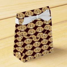Chocolate chip cookie party favor tent box party favor box
