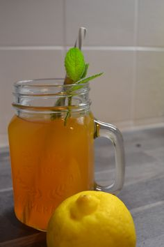 DIY Rezept Homemade Ice tea selbstgemachter Zitroneneistee