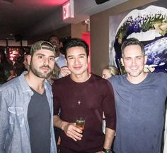 Mario Lopez of Extra was in NYC celebrating their annual holiday party and was clearly feeling festive while enjoying this mild December. During his trip, he was in town to met with various NBC executives, he stopped into Atwood Kitchen & Bar Room in Midtown to keep the spirit going at the Paintzen Holiday Party on Dec 12, 2015