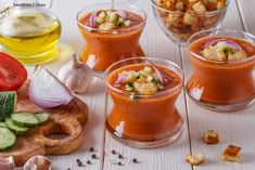Een fantastisch lekkere Spaanse gazpacho – Swinkl Gazpacho Recept, Lunch Restaurants, Bbq Party, Starters, Food And Drink, Appetizers, Salad, Snacks, Dinner