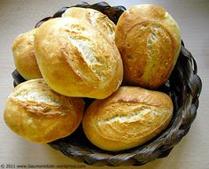 bun - Food and Drink Vegetarian Breakfast Recipes Easy, Super Healthy Recipes, Brotchen Recipe, Bread Recipes, Baking Recipes, Pastry Recipes, Quick Rolls, Bread And Pastries, Pampered Chef