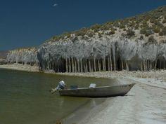 Kalksäulen in der von Dürre geplagten Sierra Nevada.