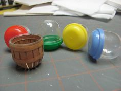 Dollhouse Miniature Furniture - Tutorials | 1 inch minis: Gumball Machine Baskets, Part 1