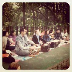 Espetáculo de música e meditação gratuito
