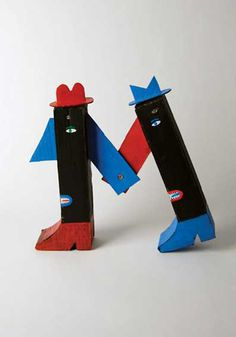 "'Onster' for ""Bicho de Sete Cabeças"" (Brainstorm) (2009) by Brooklyn-based Portuguese artist André da Loba. Upcycled sculpture. via the artist's site"