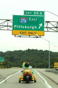 The Pirate Parrot on his way out of town!