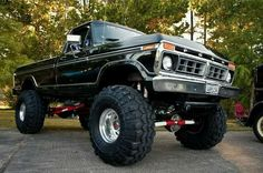 My Dad had a High Boy identical to this when I was a lil girl, only difference was we called it either 'the black truck or a stomper'! 1979 Ford Truck, Ford Pickup Trucks, 4x4 Trucks, Car Ford, Diesel Trucks, Cool Trucks, Lifted Trucks, Ford 4x4, Gmc 4x4