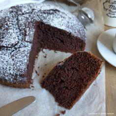Čokoladna torta z jogurtom Vegan Chocolate, Chocolate Recipes, Sweet Recipes, Cake Recipes, Peanut Butter Banana Bread, Bon Appetit, Biscotti, Coco, Sweet Tooth