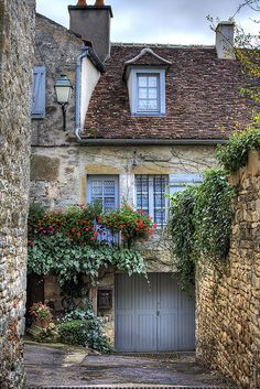 Vezelay by jackfrench, via Flickr