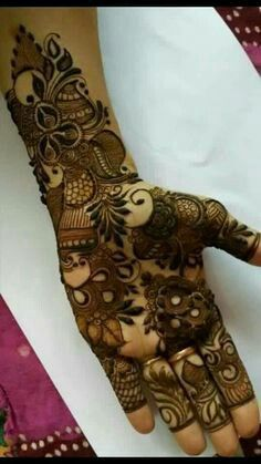 Are you looking for some fascinating design for mehndi? Or need a tutorial to become a perfect mehndi artist? Khafif Mehndi Design, Rose Mehndi Designs, Full Hand Mehndi Designs, Henna Art Designs, Modern Mehndi Designs, Mehndi Designs For Beginners, Mehndi Design Pictures, Mehndi Designs For Girls, Wedding Mehndi Designs