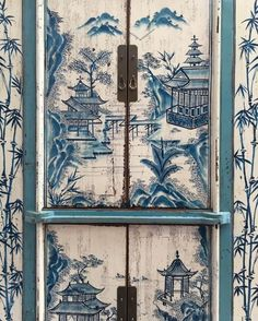 Chinese lunch with Martina Mondadori Decoration, Art Decor, Chinoiserie Chic, Asian Decor, Global Design, Hand Painted Furniture, Beautiful Interiors, Door Design, Home Decor Items
