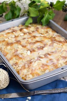 Butter cake like from a baker (secret recipe!) - KüchenDeern - Butter cake like from a baker (secret recipe!) – KüchenDeern Butter cake like from a baker (secr - German Bread, German Baking, Baking Recipes, Cake Recipes, Dessert Recipes, Easy Desserts, Food Cakes, Secret Recipe, Tray Bakes