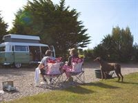 Find Campsites in Cornwall with Campsite Finder - The Best Online Database For Camping in Cornwall Cornwall Campsites, Uk Campsites, Camping Cornwall, Outdoor Furniture Sets, Outdoor Decor, Touring, United Kingdom, Vw Vans, Park