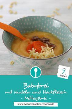 Stückiger Babybrei mit Nudeln, Karotten und Hackfleisch – ein Mittagsbrei Rezept für Babys ab dem 7. Monat.