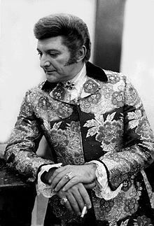Liberace: Liberace was a pianist and entertainer. He had his own television show. He was known for wearing sequined tuxedos and having a candelabrum on his piano. Wisconsin, Michigan, Mississippi, Iowa, Lost Vegas, Illinois, Minnesota, Rehearsal Room, People Smoking