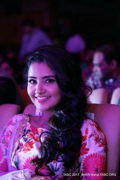 South Actress, South Indian Actress, Beautiful Indian Actress, Beautiful Actresses, Sweet Girls, Cute Girls, Anupama Parameswaran, Shruti Hassan, Red Saree