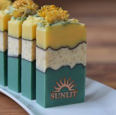 Etsy の Sunflower Handcrafted Artisan Soap by Sunlitsoap