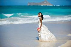 Beautiful picture of the bride on the beach