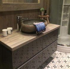 Bad1 Bathroom Shelf Decor, Rustic Bathroom Shelves, Copper Bathroom, Beach Theme Bathroom, Bathroom Furniture, Modern Bathroom, Small Bathroom, Guest Bathroom Remodel, Guest Bathrooms