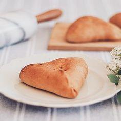 maria eugênia (@blueberryfinds) • Instagram photos and videos Hot Dog Buns, Hot Dogs, Vegan Lifestyle, Plant Based Diet, Bread, Videos, Photos, Instagram, Food