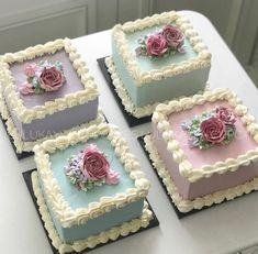 Flower buttercream cake