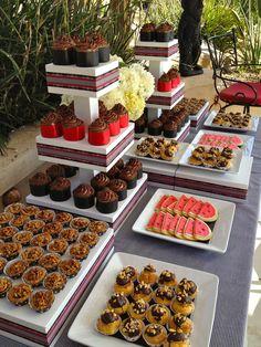 Dessert table at backyard wedding reception.This is perfect Wedding Finger Foods, Diy Wedding Food, Wedding Desserts, Mini Desserts, Wedding Ideas, Fall Wedding, Wedding Rustic, Wedding Things, Shawarma