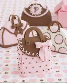 Sponge cake purse perfection!