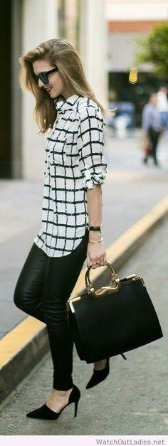 33 идеи, как одеваться в офис: черные кожаные брюки, рубашка в клетку