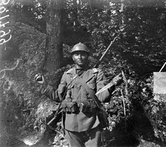 """Translated from French: """"A trench cleaner, Hesse Argonne Forest, south of Avoch, of Vauquois."""""""