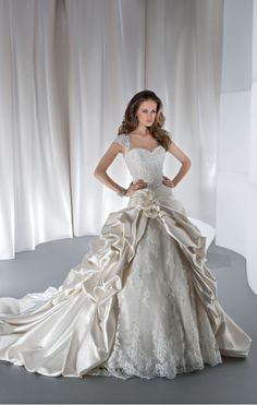 Demetrios wedding gowns & dresses makes luxury affordable. Explore all of our wedding gowns & evening dresses collections and find a store near you. Queen Wedding Dress, Queen Dress, Luxury Wedding Dress, Wedding Dress Shopping, Perfect Wedding Dress, Modest Wedding, Wedding Dresses Photos, Wedding Dress Sizes, Used Wedding Dresses