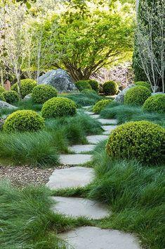 Amazing Gardens, Beautiful Gardens, Boulder Garden, Australian Garden, Garden Cottage, Garden Landscape Design, Front Yard Landscaping, Landscaping Ideas, Mulch Ideas