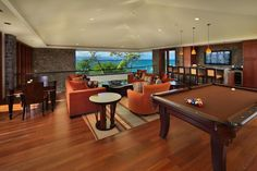 living room / pool