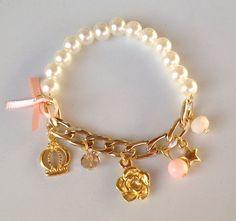 Pearl and charms bracelet pulseira de perolas e pingentes