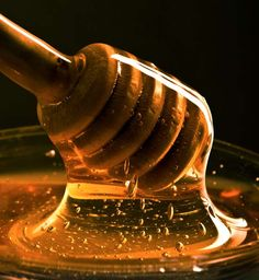 7 Benefits And Uses Of Honey