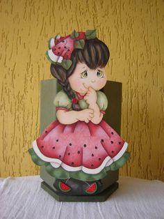 Porta talher giratório menina melancia. R$75,00