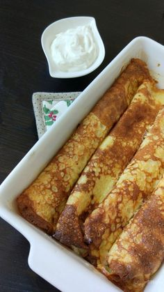 Clătite dietetice cu brânză la cuptor – Rețete LCHF Good Food, Yummy Food, Pancakes, French Toast, Deserts, Food And Drink, Low Carb, Sweets, Healthy Recipes