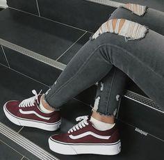 Women shoes For Fall Winter - - Women shoes Sneakers Fashion - - Sneakers Vans, Moda Sneakers, Sneakers Fashion, Fashion Shoes, 90s Fashion, Casual Sneakers, Fashion Women, Converse, Fashion Outfits