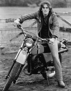 Hello my teen crush. Still love Matt Dillon and remember his birthday. 80s Movies, Movie Tv, Young Matt Dillon, Dallas Winston, Scott Baio, Brat Pack, My First Crush, Valley Girls, Tough Guy