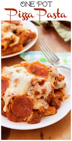 One Pot Pizza Pasta: You favorite pasta combined with savory pizza toppings, the sky is the limit with this easy to make one pot meal!