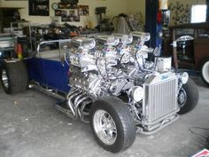 Old ford with 2 modular v8 4.6s with 2 superchargers on each all with one belt all mated to one transmission making 1200 hp