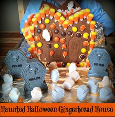 Haunted #Halloween Gingerbread House #GoodCookcom sponsored